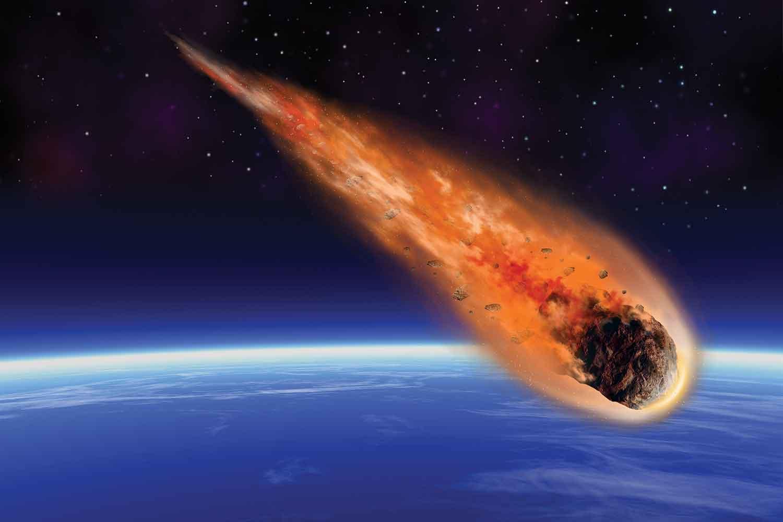 Gece Gündüze Döndü ! Düşen Meteor Denize Düşmeden Görüntülendi !